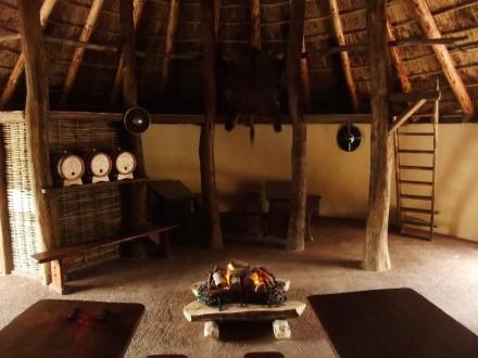 INHP Inside-Crannóg-Royal-House